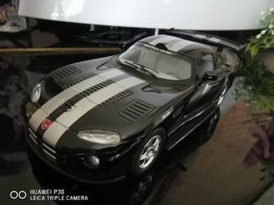 Dodge Viper GTS diecast scale 1:36