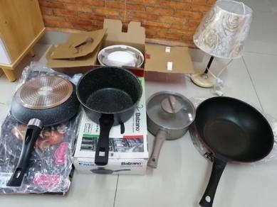 Cooking Pan X 4, Table Lamp x 1, bowl X 3
