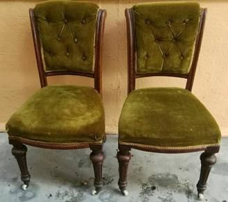 Antik 1 pair victorian chair lama