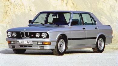 BMW 5 Series E28 M5 Bodykit