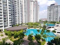Dwiputra Corner - 1,200sq.ft - Fully Furnished Move In Now - Pool View