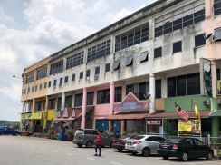 [CORNER] 4 Storey Shoplot Bandar Country Homes Rawang Emerald Garden