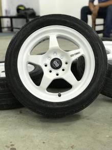 Enkei gtt5 15 inch sportsrim axia tyre 70%