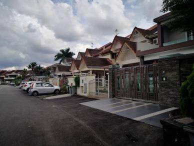 Jalan Utama, Mutiara Rini, Double Storey Terrance House