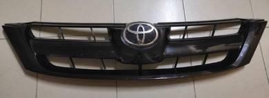 Toyota Innova 06 Grill