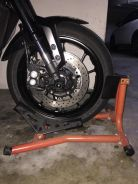 Front wheel chock stand