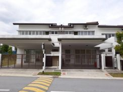 Double storey house for rent at bandar ainsdale