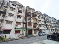 NEGOTIABLE | Ground FLOOR | GARDEN TOWER APARTMENT TAMAN LEMBAH MAJU