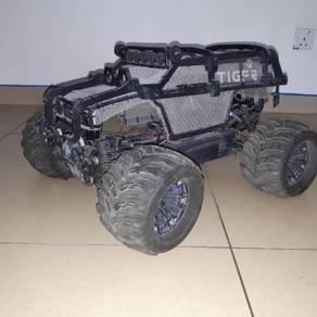 Krock g5 1.5 scale. used. new gear box,