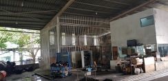 Detached factory with nice office in Bukit Kemuning for RENT