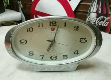 Antik oval shape table clock lama