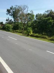 Tanah menarik 3.1 ekar tepi jalan utama di CHUAH, Port Dickson
