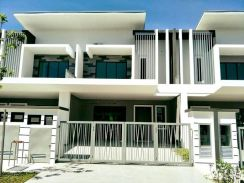 [Starting Price RM3xxk For Sales ] Freehold 24x75 Landed Double Storey