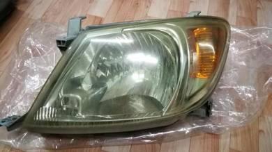 Toyota hilux vigo headlamp