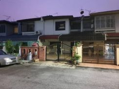 Double Stories Landed House For Rent at Taman Desa Gombak