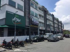 Paragon Point Seksyen 9/Facing Main Road/LIMITED UNIT