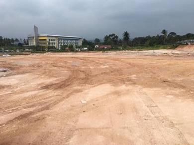 Tanah Lot Jenderam Hilir,Dengkil-Putrajaya Tepi Jalan Utama