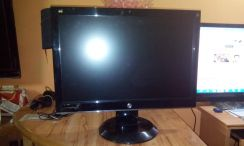 22 Inch ViewSonic LCD Widescreen Display Monitor
