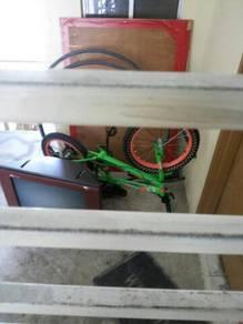 Basikal dan tv rosak