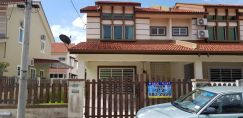 2 Storey Intermediate House in Bandar Siber Parkview
