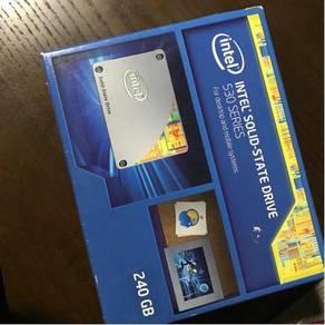 Intel SSD 530 series ( 240 GB )