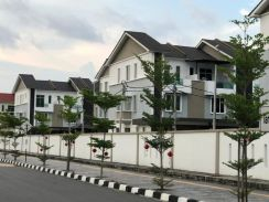 House for RENT at Jawi !!!