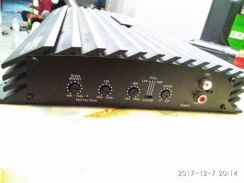 Power amp (like new) (no scratch)