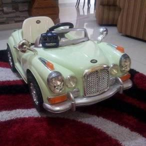 Bentley classic ride on car