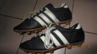 Vintage adidas boot bola budak