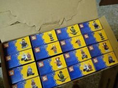 Minifigure avenfer 1 box got 2 set