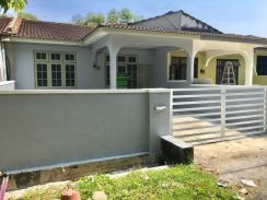 Nice BIG SIZE GOPENG LAWAN KUDA 1 sty house with 3 rooms near highway