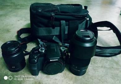 Sony A-100 2 lens