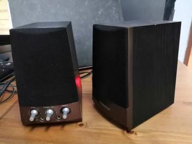 Computer speakers Sonicgear