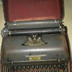Typewriter Remington Made In USA