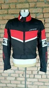 Jacket rider