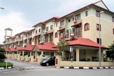 {Fully Furnish} 4 Rooms, Town House , Bandar Sri Permaisuri (KL View )