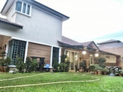 Renovated + furnished + landed house for sale in taman saujana indah!!
