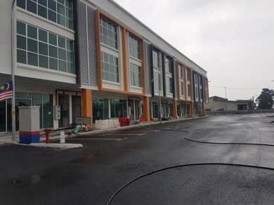 3 storey New shop lot facing main Road taman saujana klang selangor