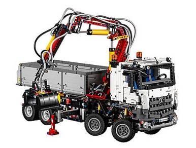 Lego Mercedes-Benz Arocs 3245 toys