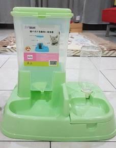 Pet kibble dispenser