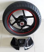 Kawasaki Er6n parts rear rim and tank cover