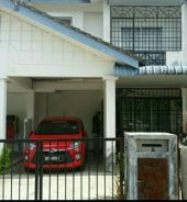 To rent double storey houses with 4 rooms.