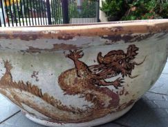 Big Old Pot/Planter/Water Feature (Dragon)