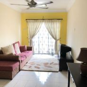 Vista Pinggiran Apt for rent