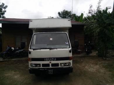 Lorry isuzu 1ton 96