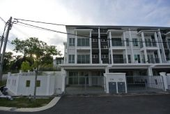 3sty Corner Unit Terrace at Taman Nusa Idaman