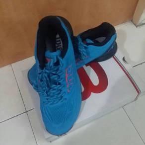 Wilson hawaian sport shoe