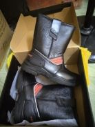 Kasut safety boot
