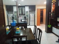 Tampoi indah, Sri akasia apartment, 3 bedrooms (partial furnished)