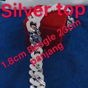 Silver bengle